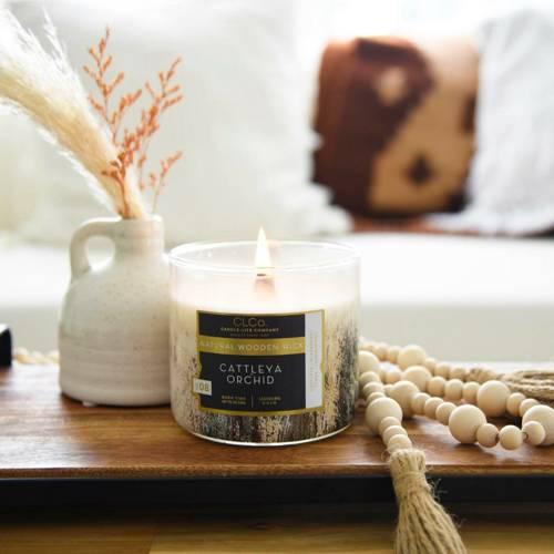 Candle-lite CLCo Candle Wooden Wick 14 oz luksusowa świeca zapachowa z drewnianym knotem ~ 90 h - No. 08 Cattleya Orchid