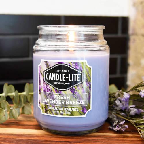 Candle-lite Everyday duża świeca zapachowa w szklanym słoju 145/100 mm 510 g ~ 110 h – Fresh Lavender Breeze